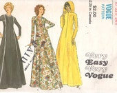 1970s Vogue 8154 Misses Very Easy Robe Pattern Ankle Length Zip Front Hood Option Womens Vintage Sewing Pattern Size 10 Bust 32