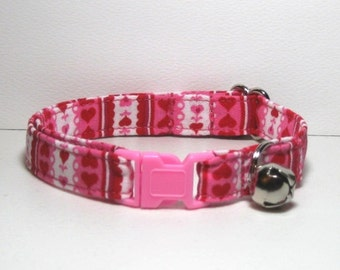 Breakaway Cat Collar in Sweet Hearts and Lace Print Cotton Fabric, Three Adjustable Sizes, Safety Buckle Style, Nonirritating, Comfortable