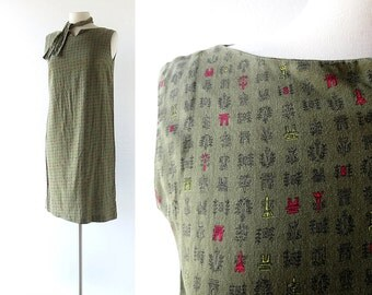 60s Shift Dress /  Voyage à Paris / Novelty Print Dress / Vintage 1960s Dress / Medium M