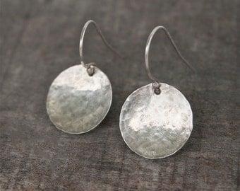Sterling Silver Disc Earrings - Simple Earrings - Hammered Silver Earrings - Everyday Earrings - Minimal Earrings -  Modern Silver Earrings