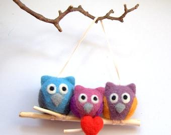 Owl  ornament Crochet Mistletoe felted owls red heart decoration mobile traditional Winter Weddings decoration green white mint kiss