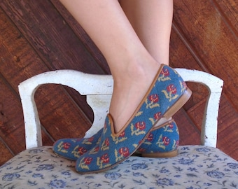 Woven Blue FLORAL Tapestry Slip On Flats Shoes - Vintage 80s - 7.5 8