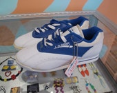 LA GEAR Womens Size 5.5 Low Top Sneakers Shoes Blue and White L.A. Gear Keychain 1991