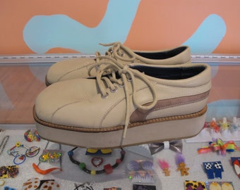 90s JOHN FLUEVOG Men's 8.5/Euro 41 Tan BeigeClub Kid Raver Flatform Platforms In The Money