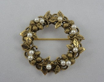 Strawberry Brooch- Pearl & Gold Floral Brooch- Raspberry Wreath Brooch- 3D Floral Pin- Vintage Brooch- Floral Jewelry- Berry Brooch