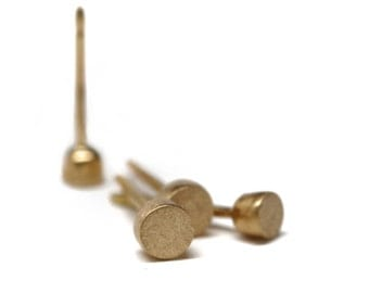 Classic gold studs | 18k yellow gold