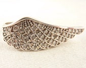 Size 8 Vintage Sterling Cubic Zirconia Wing Ring
