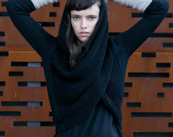 Space Oddity Sweater - multiway convertible piece - Black with Beige details