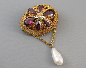 Glorious antique mid Victorian 18k gold 4.68 carats rhodolite garnet and pearl brooch pin pendant necklace