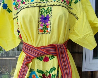 Mexican dress, Plus size Mexican, Yellow Dress, Embroidered Mexican, Floral embroidery, 2X, size XXL