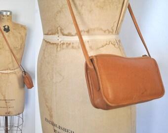 Honey Brown Leather Purse / shoulder bag