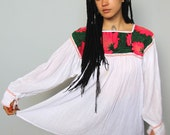 calling all dreamers -- beautiful embroidered collar cotton gauze summer top M/L