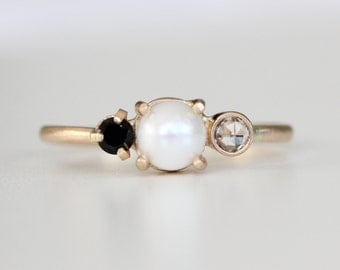 Pearl Black Spinel and White Sapphire 3 stone solid 14k yellow gold ring