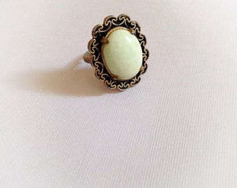 Vintage Mint Spring Green Adjustable Ring