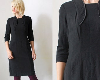 SALE...40s dress. black 40s crepe dress. wiggle dress - medium