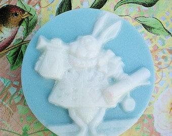 Alice In Wonderland White Rabbit Cameo Soap