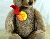 Cute Vintage Steiff Bear - With Original Button and Tag