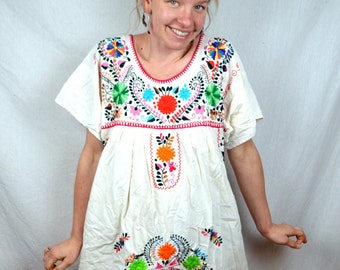 Embroidered 1970s Vintage Oaxaca Mexican Floral Maxi Tent Dress