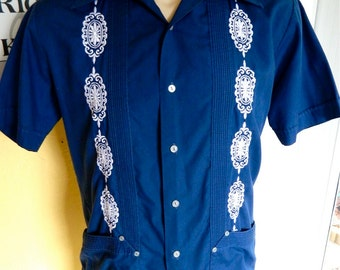 Guyaberra style 1970s butterfly collar amazing shirt - size medium