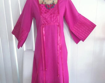 Fabulous Vintage Asian Designer Caftan Style Dress in Magenta Pink by Aiko California -- Size M