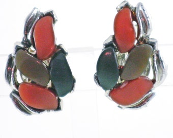 Vintage Orange and Green Thermoset Leaf Clip Earrings (E-1-6)