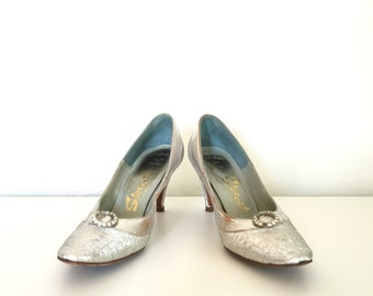 Vintage 1950s Silver Heels Metallic Sparkle Rhinestone Pointed Toe Stilettos Size 7 - 7.5