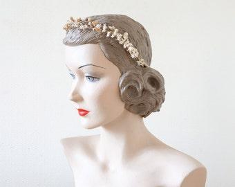 Edelweiss bridal set || wax flowers bridal tiara and favoris || cubesandsquirrels