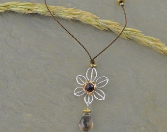 Garnet Center Flower Necklace