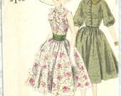Vogue 4004 / Vintage Special Design Sewing Pattern / Dress / Size 14 Bust 34