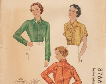 McCall 8766 / Vintage 1930s Sewing Pattern / Blouse / Size 14 Bust 32