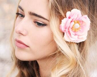 peach ranunculus hair clip, bridesmaid flower clip, bridal peach flower hair pin, flower for hair