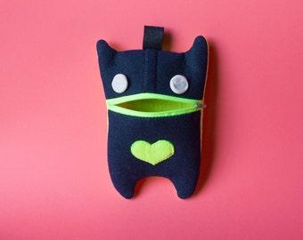 Felt Monster Case // dark blue & fluo yellow - gift ideas, back to school, felt monster, christmas gifts