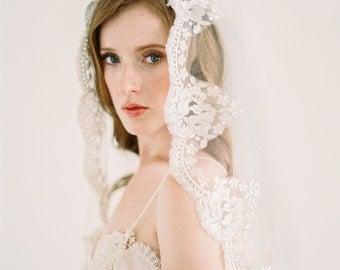 Lace Mantilla Veil, Gold Lace Veil, Eyelash Lace Veil, Ivory Mantilla Veil, Bridal Veil, Cathedral Veil, Chapel Veil, Ivory veil, Yolanda