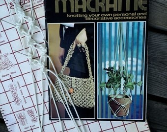 Macrame Accessories: Knotting your own Personal and Decorative Accessories - Definitive 1970's Macrame Book