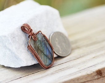 Wire Wrapped Jewelry Handmade Labradorite - Woven wire - Stone Necklace - Pendant - Wire Wrap - Wire Wrap Pendant - Earthy