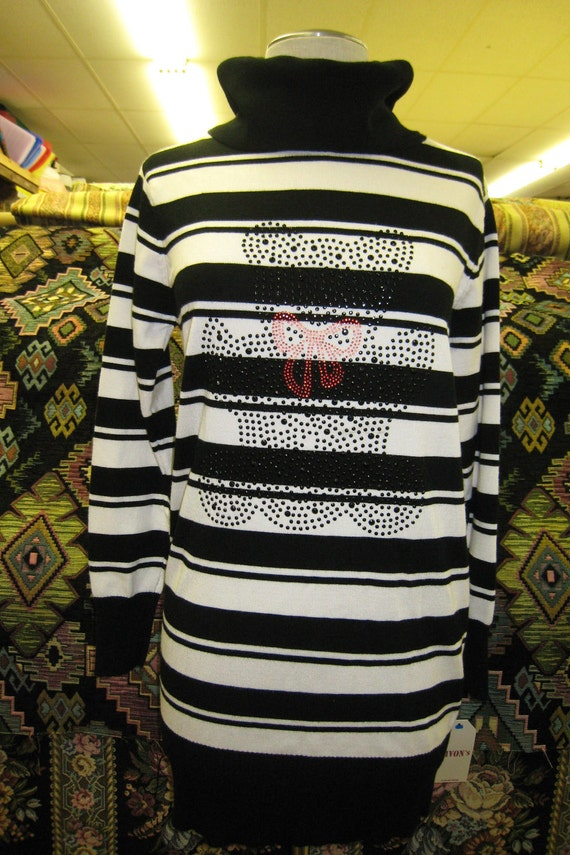 black and white color turtleneck sweater with sequined embroidery decoration (c24)