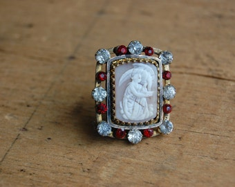 Victorian cameo Greek Goddess Hebe and the eagle ∙Antique Classical Goddess Hebe cameo with paste