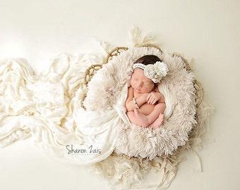 Cream Pelagio Faux Fur Nest Photography Prop Rug Newborn Baby Toddler 27x30
