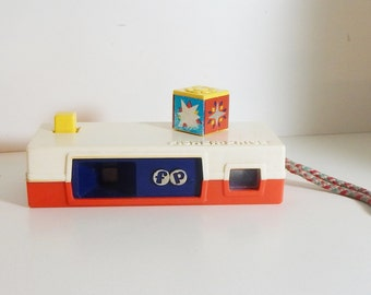 Vintage Toy Camera Fisher Price Flash Cube Camera 60's Mid Century Toy Camera with Daisy Flash Cube and Handle