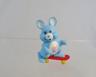 Perfect Mint With Box Swift Heart Rabbit Care Bear Cousin PVC Skateboard Skating Skate Figure Figurine Toy Plastic Miniature Bunny Blue