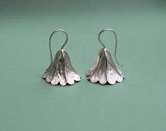 Earrings Bell-shaped flower / Silver Earrings / Romantic Earrings / Bridal Jewelry / Elegant Silver Earrings / Calyxes / Botanical Jewelry