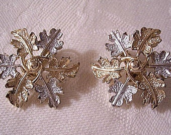 Frosted Leaf Wreath Clip On Earrings Gold Silver Tone Vintage Sarah Coventry Garland Round Rings