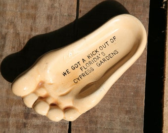 Kitschy Vintage Florida Cypress Gardens Spoon Rest in the shape of a Foot, Souvenir, Kick, Foot, Feet