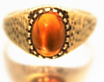 Vintage Ladies Amber Cabochon Solitaire Ring Engagement 1969 Yellow Gold 9ct 9k | FREE SHIPPING | Size P.5 / 8