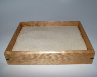 """Elegant Figured Maple Valet Box. Wooden Tray Upholstered in Suede Fabric. 7.25"""" x 5.75"""" x 1.5"""""""