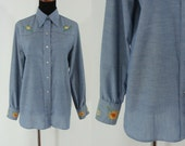 Vintage Seventies Shirt - 70s Chambray Shirt - Vintage Wrangler Button Up Blouse - Embroidered Western Blouse - Large