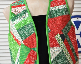Vintage Womens Christmas Vest/OOAK Handmade/Country Cottage Chic Calico/70s Patchwork/Cabin Fever Original/Betty Furniss/Medium/Red Green
