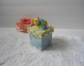 French Country Shabby Chic Easter Flocked Duck Crown Box Decoration Gift