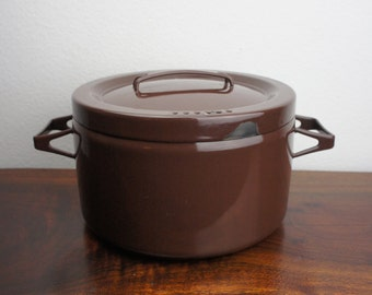 Vintage Seppo Mallat for Finel Enamelware Brown Dutch Oven, 8.5 Inches, Enameled Steel, 1960s Finland Mid Century Modern Kitchenware Serving