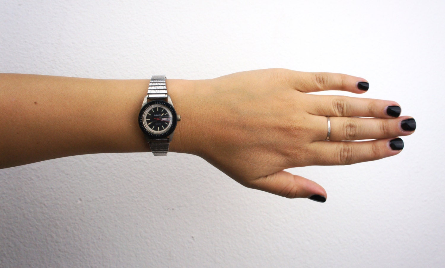 147 additionally Thing besides Jewel Tone Dresses For The Holiday Season besides 183092 in addition Thing. on oscar de la renta black face quartz watch